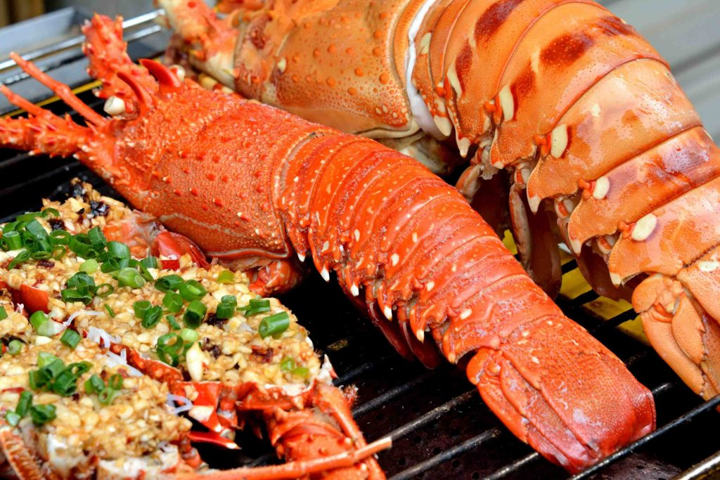 Hold party on the beach and enjoy seafood in Phu Quoc