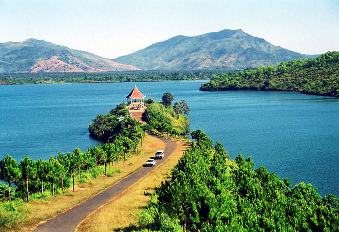 Gia Lai is famous for coffee fields and amazing natural sceneries