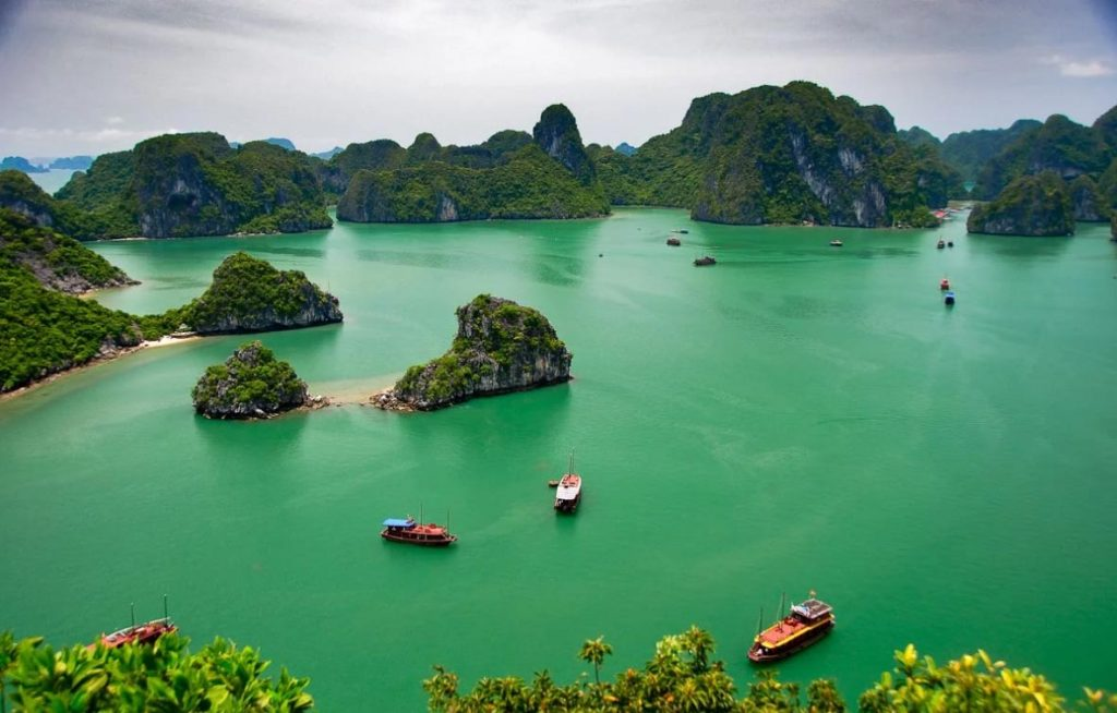 Vietnam tourism is famous for stunning bays with majestic sceneries